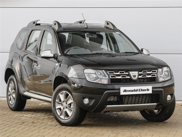 used 2017 diesel dacia duster in black 15 miles for sale in paisley for 15 998 autovillage. Black Bedroom Furniture Sets. Home Design Ideas
