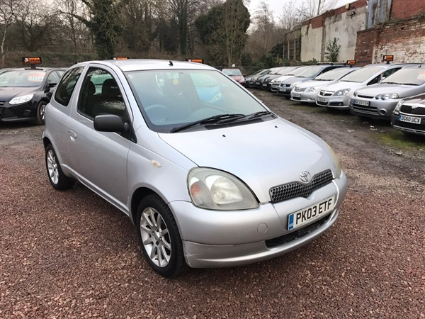 used 2003 toyota yaris 1 0 vvt i colour collection 3dr in silver for sale in stourbridge for 690. Black Bedroom Furniture Sets. Home Design Ideas
